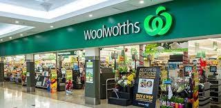 Woolworthsはこういう店。「ウルワース」と発音します。Wooly(ウリー)と呼ぶとオーストラリア風です